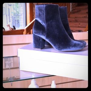 NWOT Blue Suede Booties
